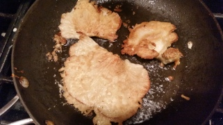 Frying Oyster Mushroom in Tempura